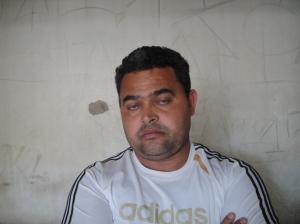 """Carlos Adriano: - """"Nao sei o que deu em mim.. Quando vi eu estava segurando o bumbum da moça!"""