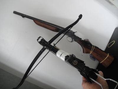 Armas...!