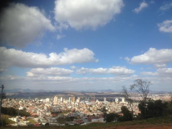 Alto Ibirá... O ponto mais alto da cidade, é o 'point' preferido dos assaltantes!