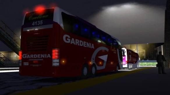 As drogas e o mula seguiam num ônibus semelhante a este!
